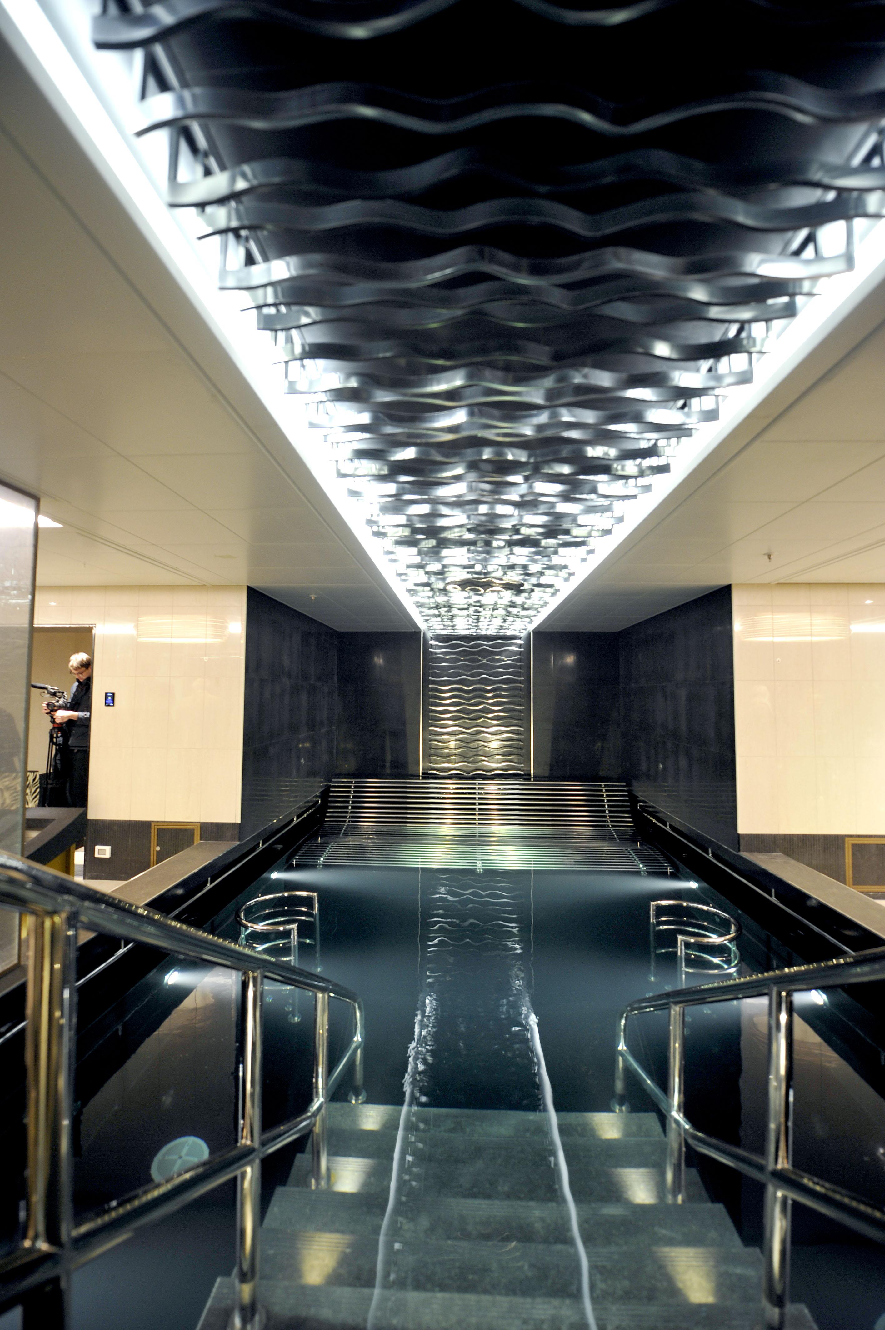 P&O Cruises Britannia Interior Oasis Pool.jpg