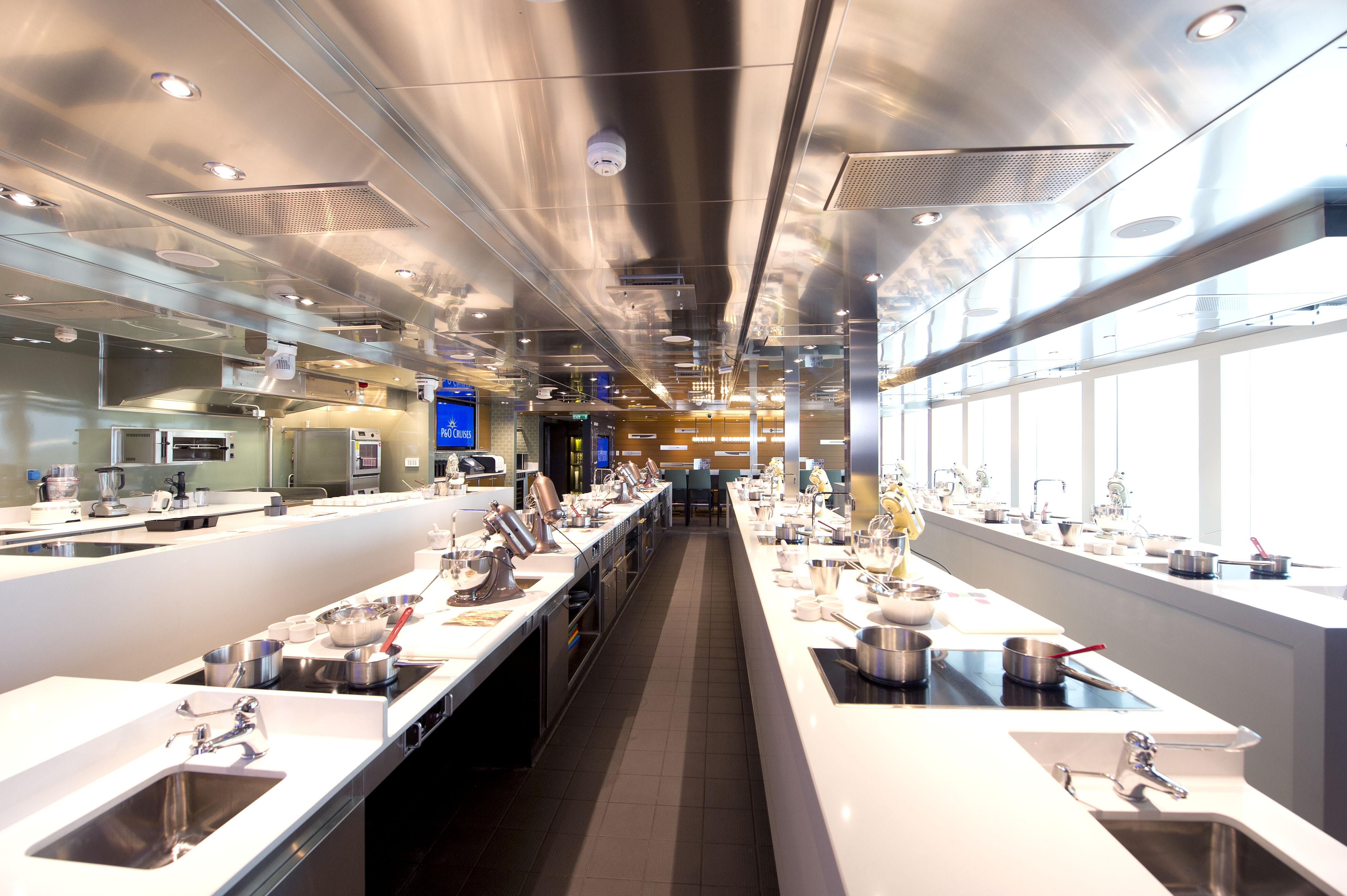 P&O Cruises Britannia Interior Cookery Club Ds39537.jpg