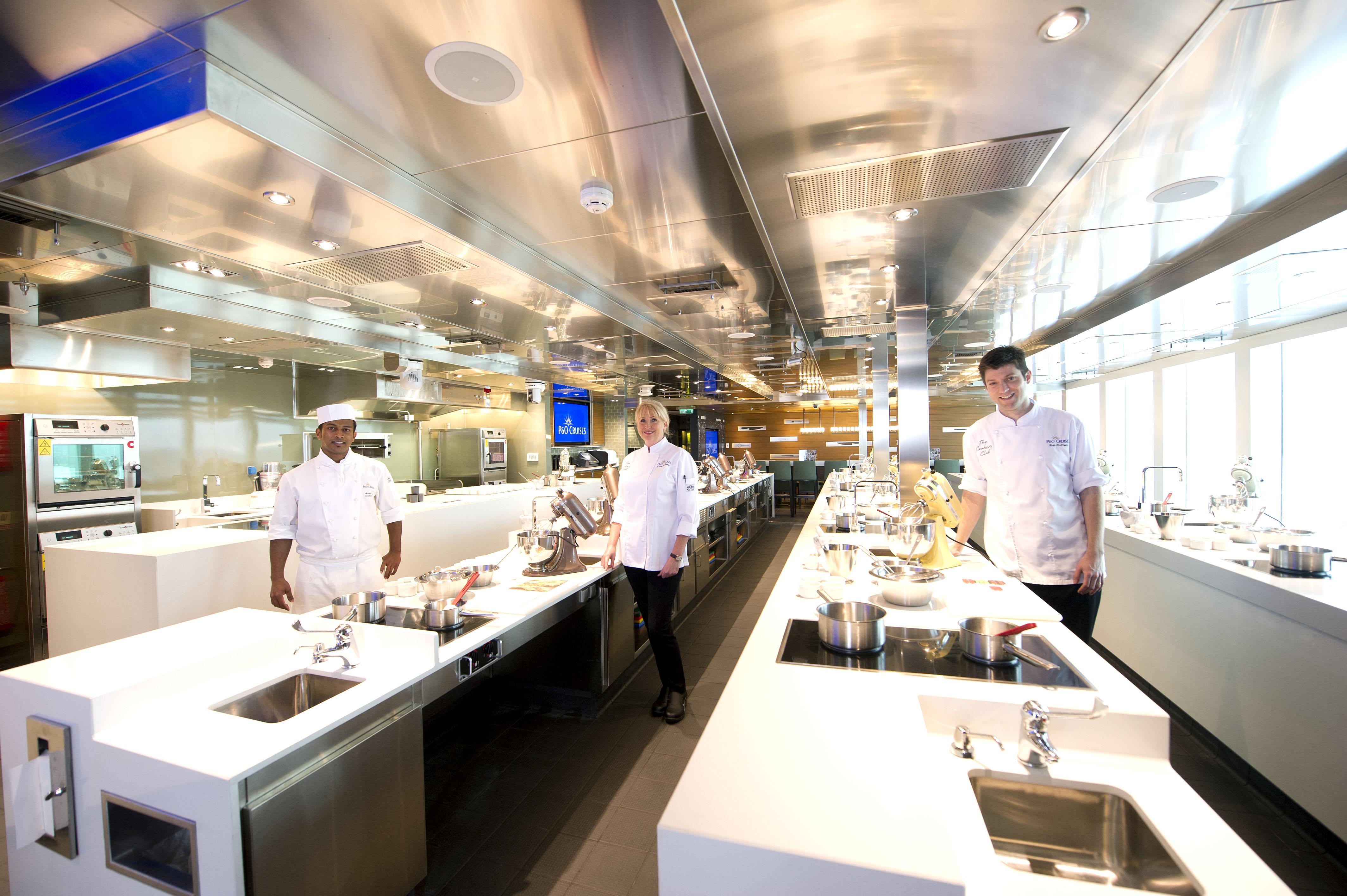 P&O Cruises Britannia Interior Cookery Club Ds39524.jpg
