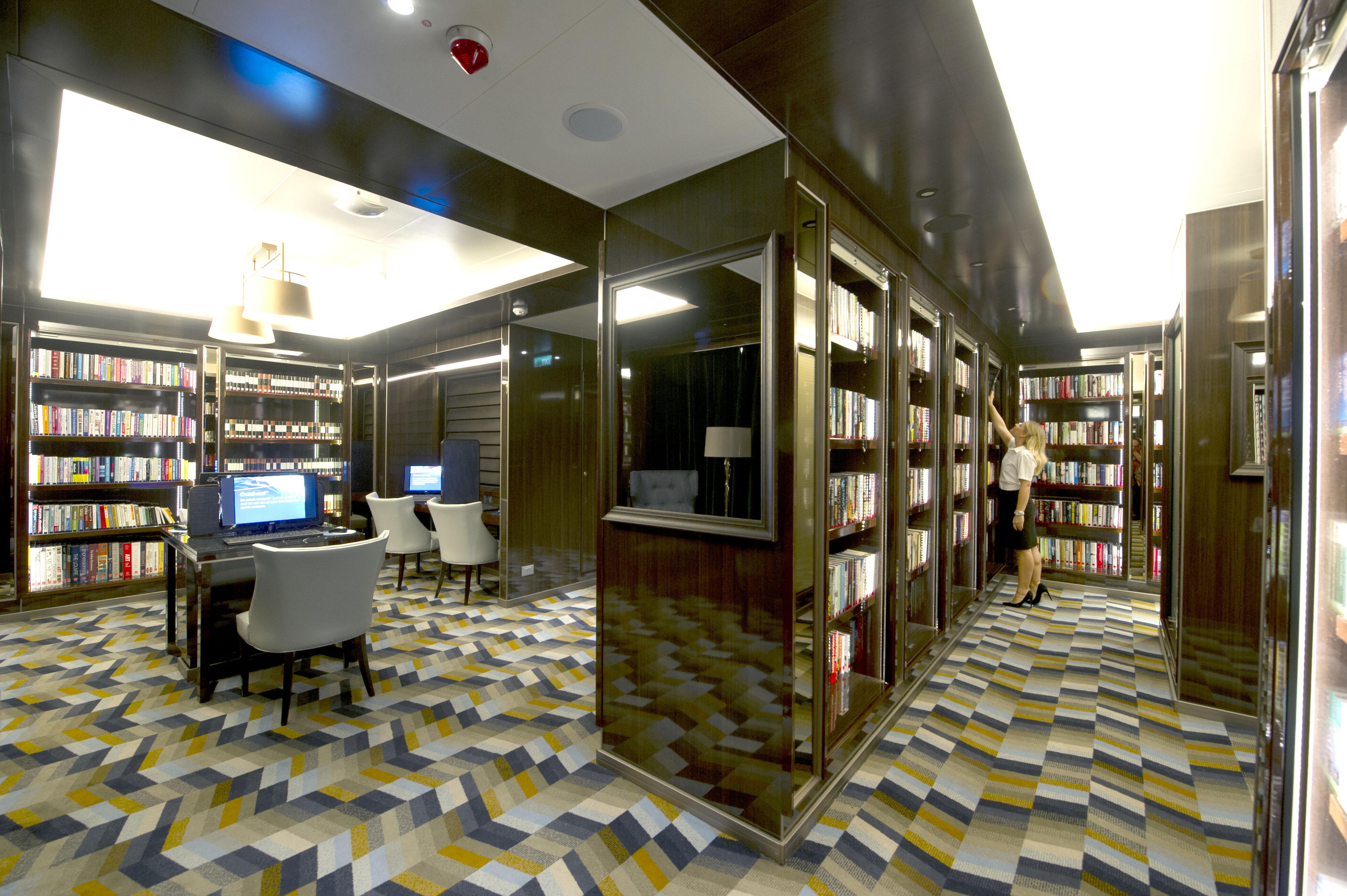 P&O Cruises Britannia Interior Library Ds38933.jpg