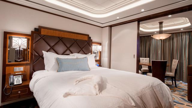 Disney Cruise Lines Disney Dream Accomm Concierge G08-DDDF-concierge-1bedroom-verandah-stateroom-catT-05.jpg