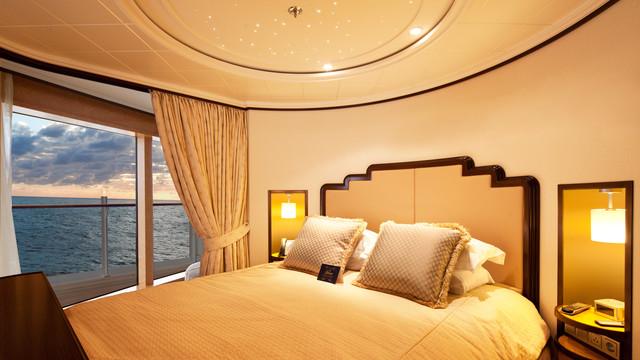 Disney Cruise Lines Disney Dream Accomm Concierge G05-DDDF-concierge-royal-suite-verandah-stateroom-catR-03.jpg