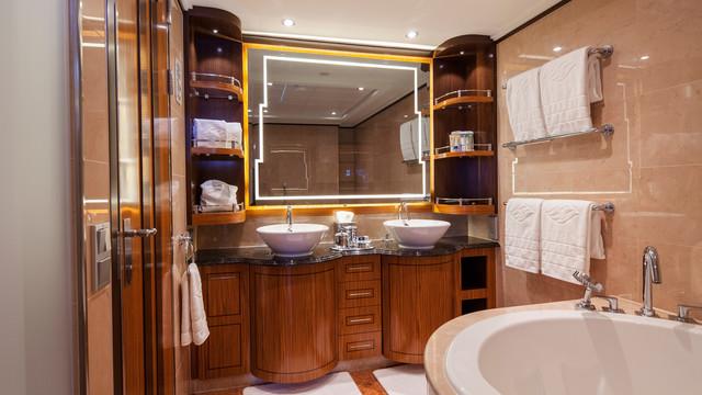 Disney Cruise Lines Disney Dream Accomm Concierge G06-DDDF-concierge-1bedroom-verandah-stateroom-catT-02.jpg