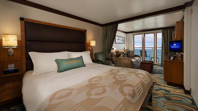 Disney Cruise Lines Disney Dream Accomm Concierge G03-DDDF-concierge-family-oceanview-verandah-stateroom-catV-12.jpg