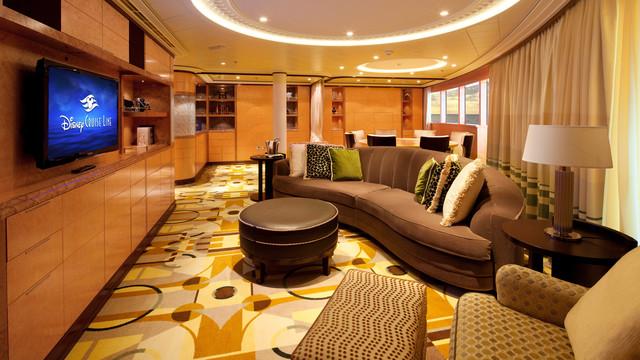 Disney Cruise Lines Disney Dream Accomm Concierge G02-DDDF-concierge-royal-suite-verandah-stateroom-catR-04.jpg