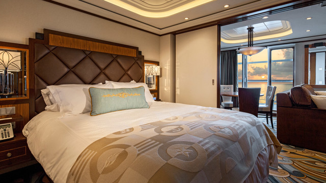 Disney Cruise Lines Disney Dream Accomm Concierge G02-DDDF-concierge-1bedroom-verandah-stateroom-catT-07.jpg