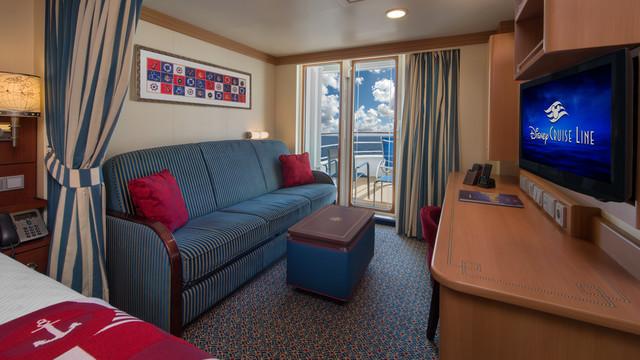 Disney Cruise Lines Disney Dream Accomm Verandah G07-DDDF-deluxe-family-oceanview-verandah-stateroom-cat4E-06.jpg