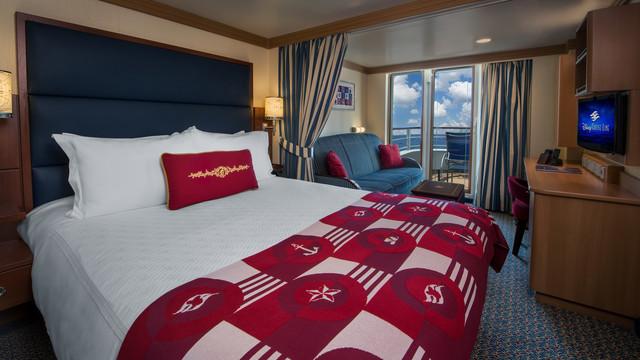 Disney Cruise Lines Disney Dream Accomm Verandah G06-DDDF-deluxe-family-oceanview-verandah-stateroom-cat4E-05.jpg