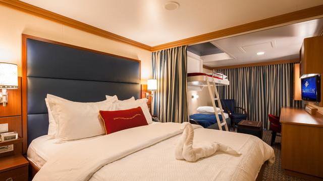 Disney Cruise Lines Disney Dream Accomm Verandah G05-DDDF-deluxe-family-oceanview-verandah-stateroom-cat4ABCD-06.jpg