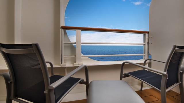Disney Cruise Lines Disney Dream Accomm Verandah G03-DDDF-deluxe-oceanview-navigators-verandah-stateroom-cat7A-05.jpg
