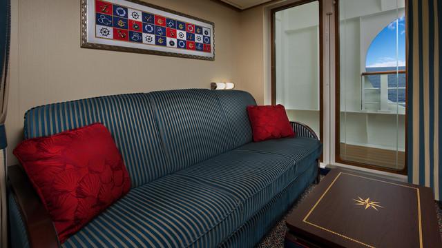 Disney Cruise Lines Disney Dream Accomm Verandah G02-DDDF-deluxe-oceanview-navigators-verandah-stateroom-cat7A-01.jpg