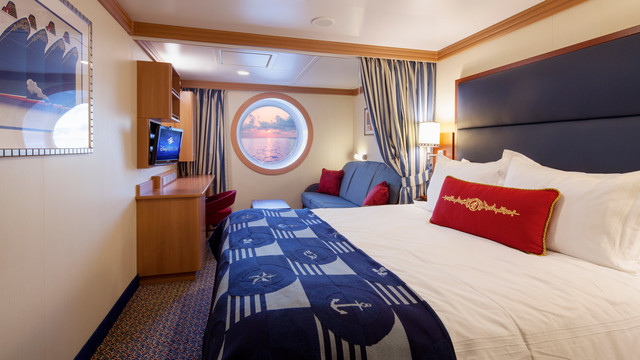 Disney Cruise Lines Disney Dream & Fantasy Ocean View Staterooms G10-DDDF-deluxe-oceanview-stateroom-cat9AB-04.jpg