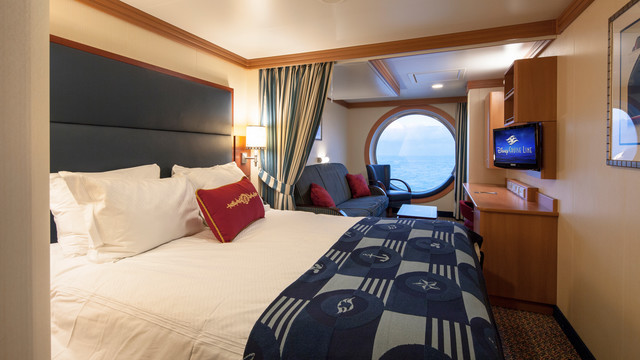 Disney Cruise Lines Disney Dream & Fantasy Ocean View Staterooms G01-DDDF-deluxe-family-oceanview-stateroom-cat8BCD-04.jpg