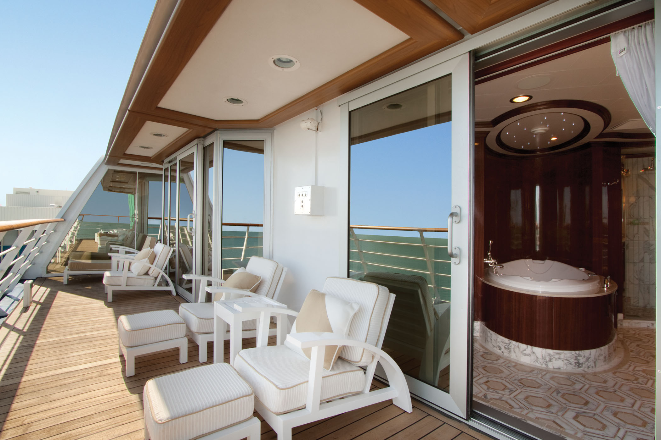 Oceania Cruises Oceania Class Accommodation Owners Suite Balcony.jpg