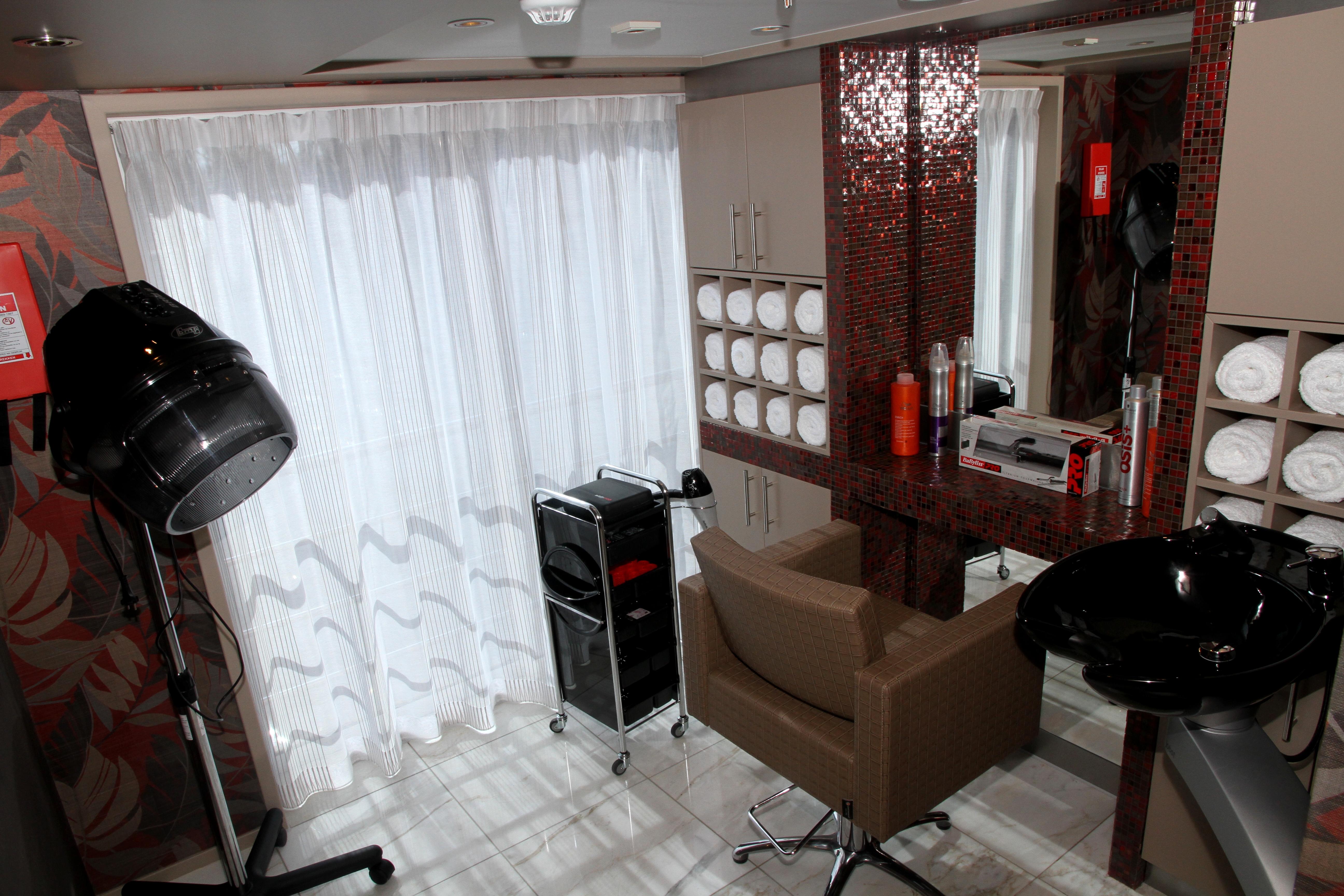AmaWaterways AmaSerena AmaSonata AmaReina AmaPrima AmaCerto Interior Salon.jpg