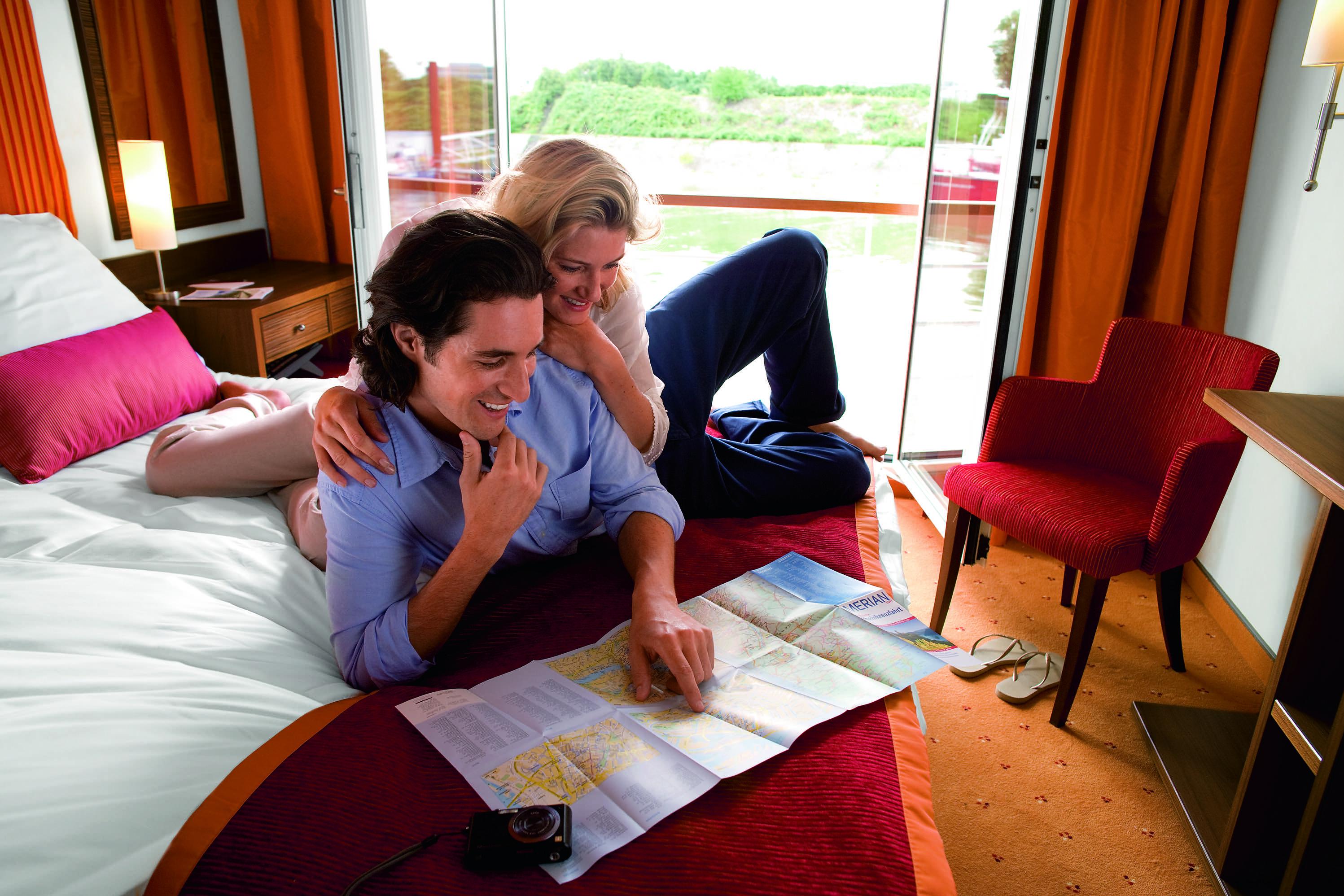 A-ROSA AQUA A-ROSA VIVA A-ROSA BRAVA Accommodation 2 Bed Outside Cabin 2.jpg