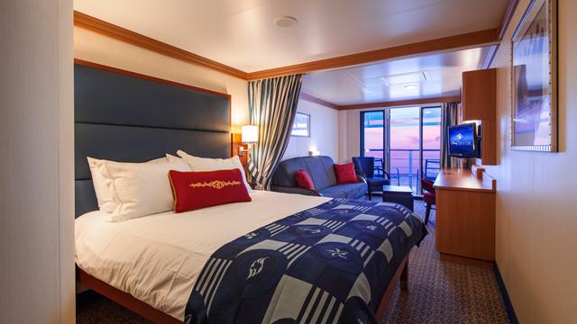 Disney Cruise Lines Disney Dream Accomm Verandah G01-DDDF-deluxe-family-oceanview-verandah-stateroom-cat4ABCD-01.jpg
