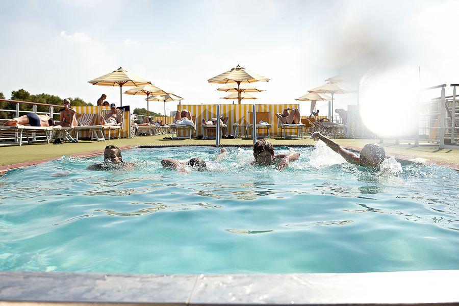 A-ROSA LUNA A-ROSA STELLA Exterior Pool 1.jpg