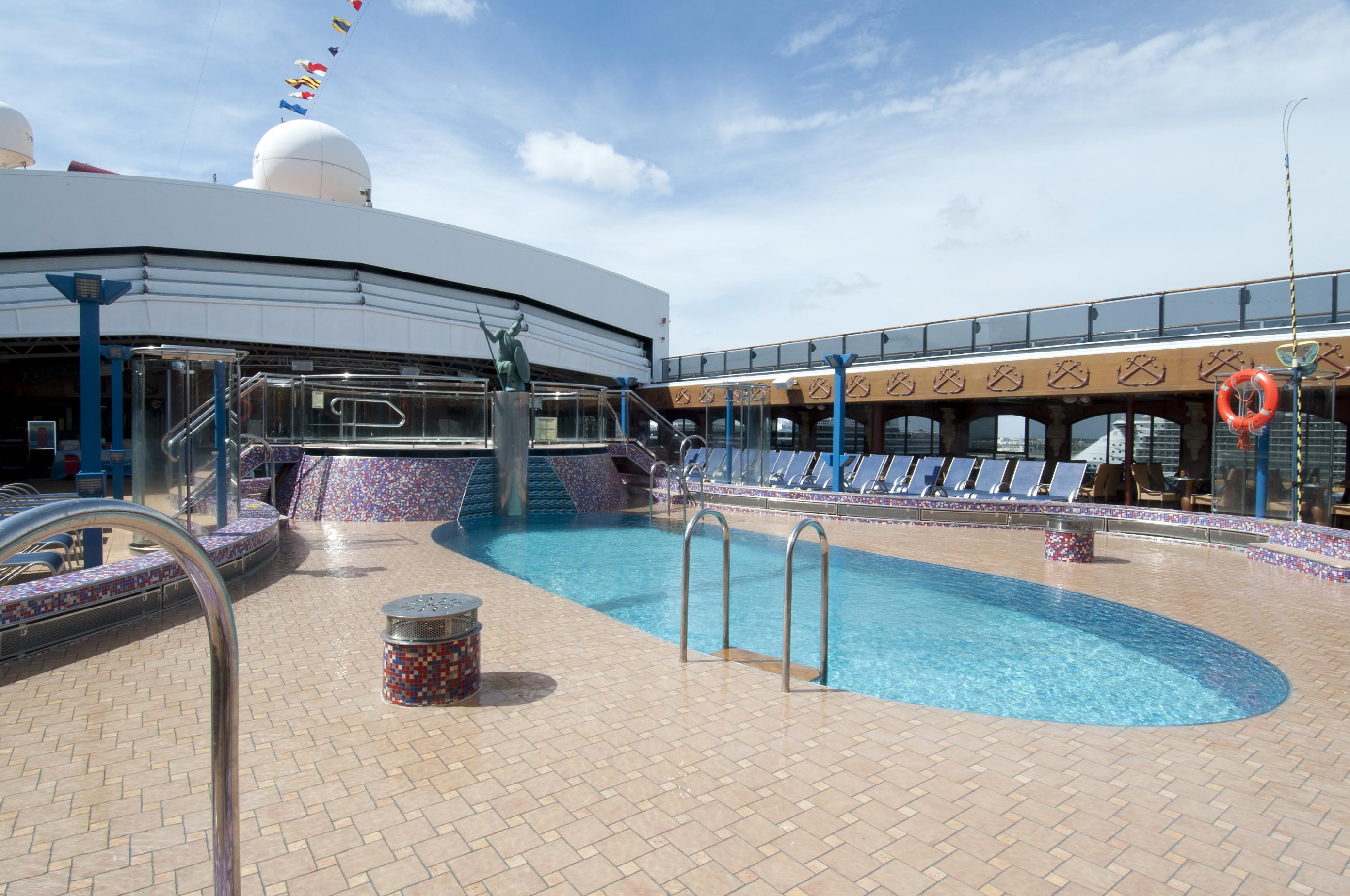 Carnival Miracle Ulysses Pool 2.jpg