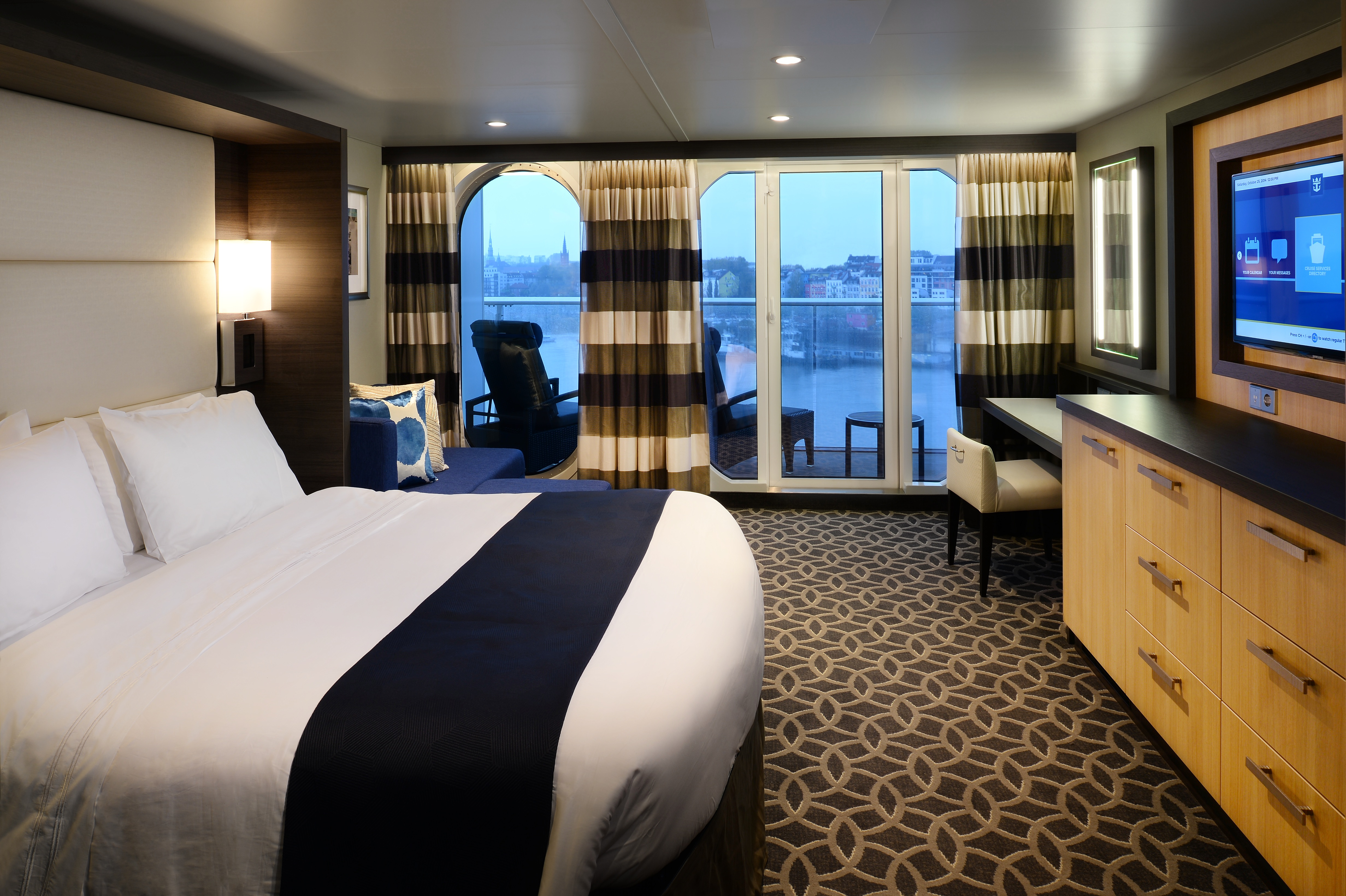 Royal Caribbean International Quantum of the Seas Accommodation Junior Suite F.jpg