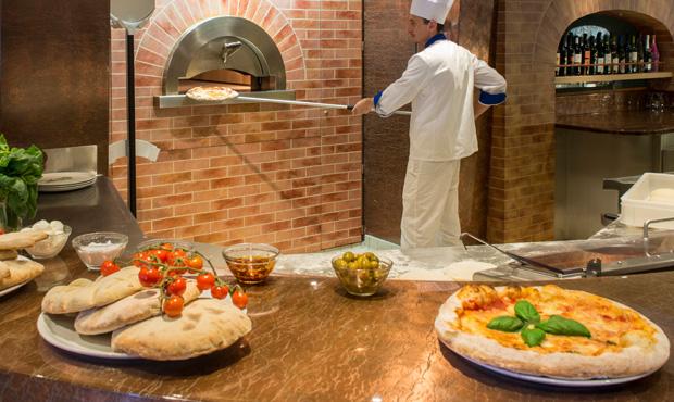 msc cruises muscia class pizzeria.jpg