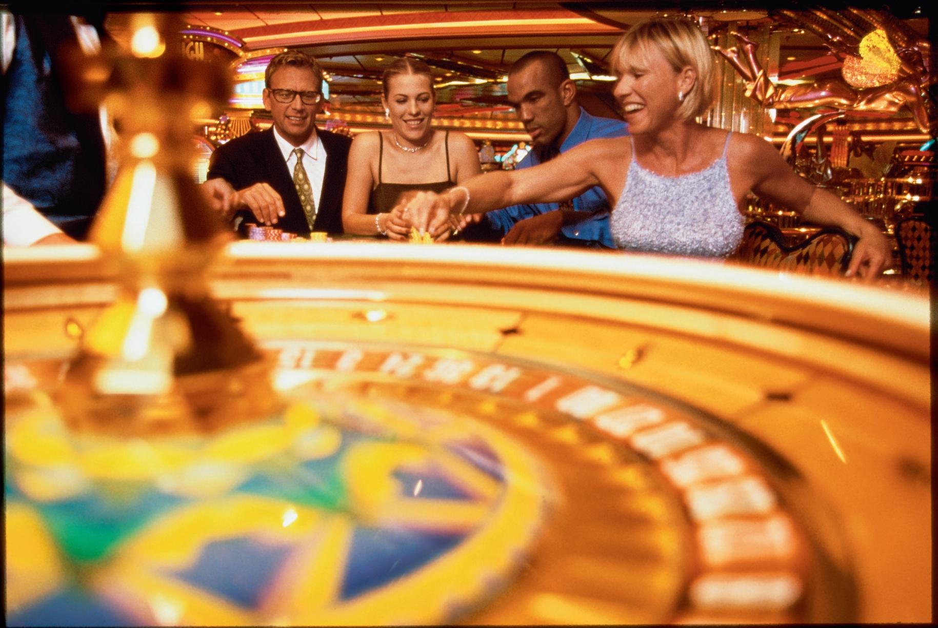 Royal Caribbean International Voyager of the Seas Interior Casino 2.jpg
