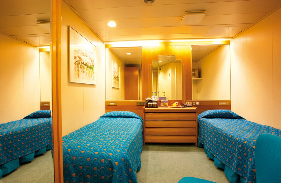 Cruise & Maritime Voyages Marco Polo Accommodation Standard Plus Twin Inner.jpg