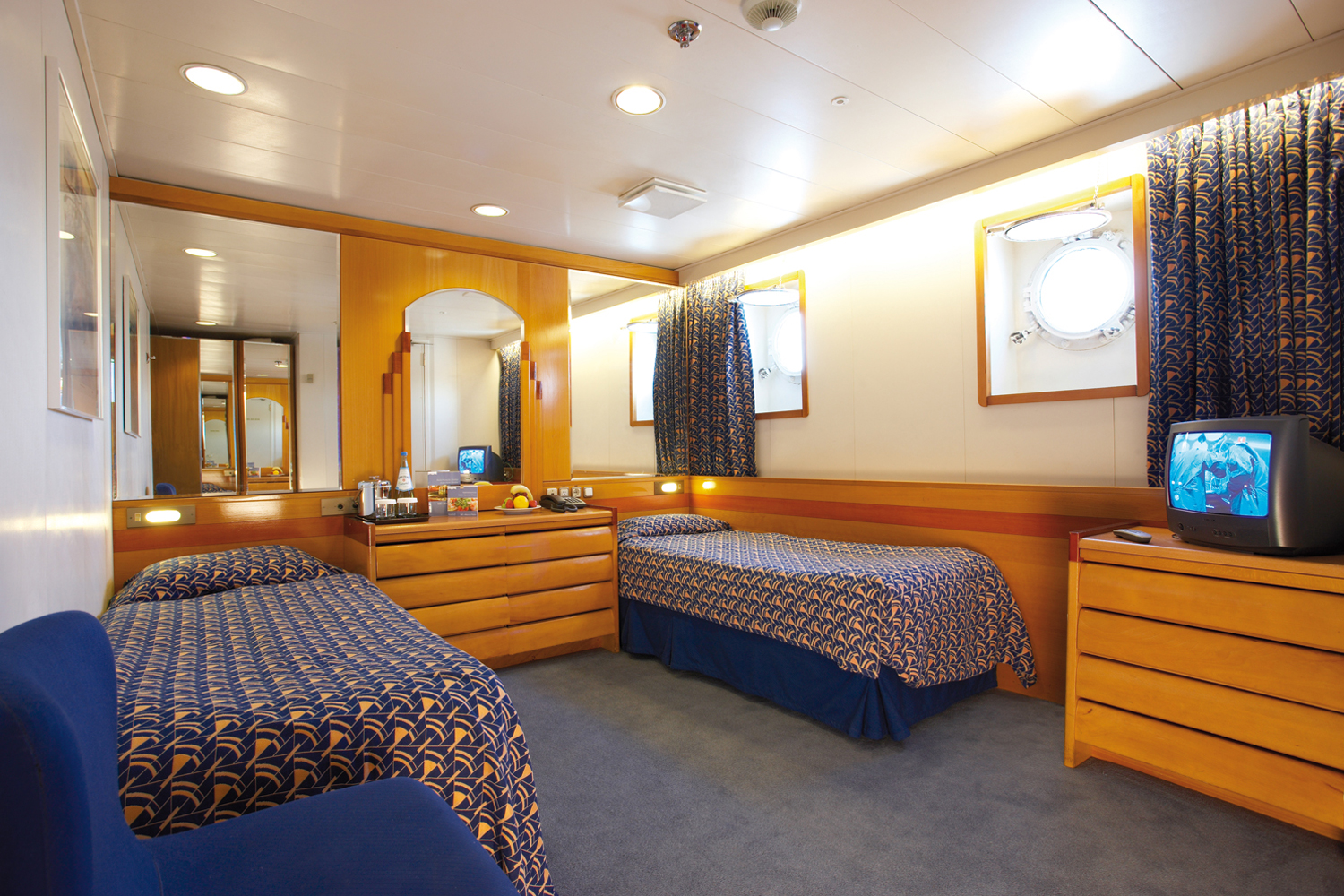 Cruise & Maritime Voyages Marco Polo Accommodation Standard Plus Twin Ocean View.jpg