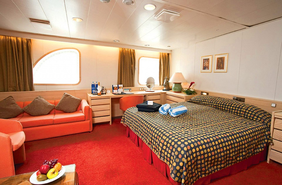 Cruise & Maritime Voyages Marco Polo Accommodation Junior Suite Ocean View.jpg