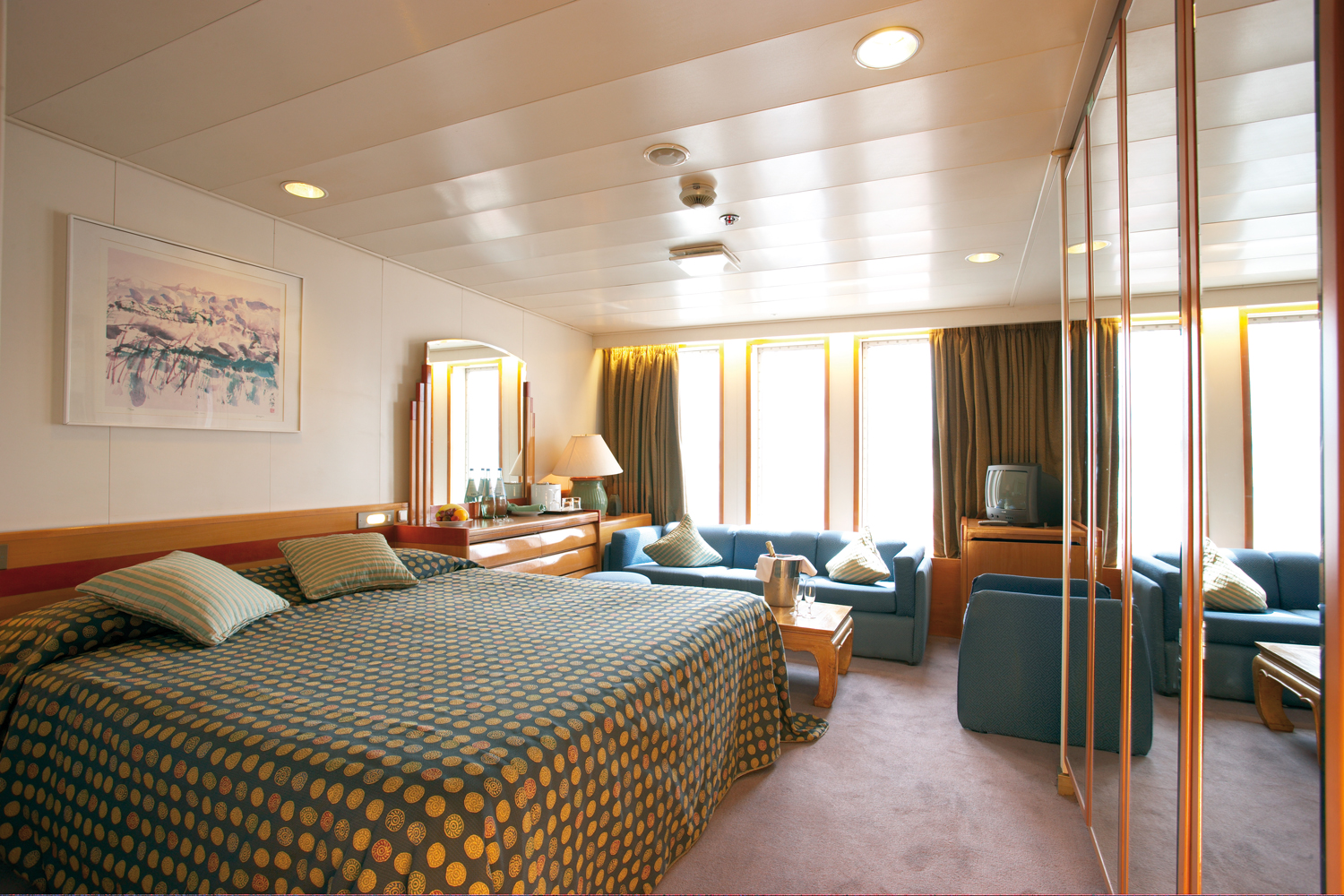 Cruise & Maritime Voyages Marco Polo Accommodation De Luxe Ocean View.jpg