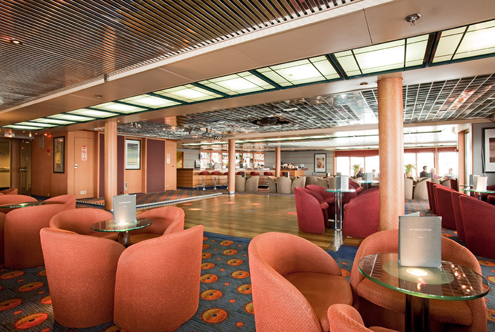 Cruise & Maritime Voyages Marco Polo Interior Scotts Bar.jpg