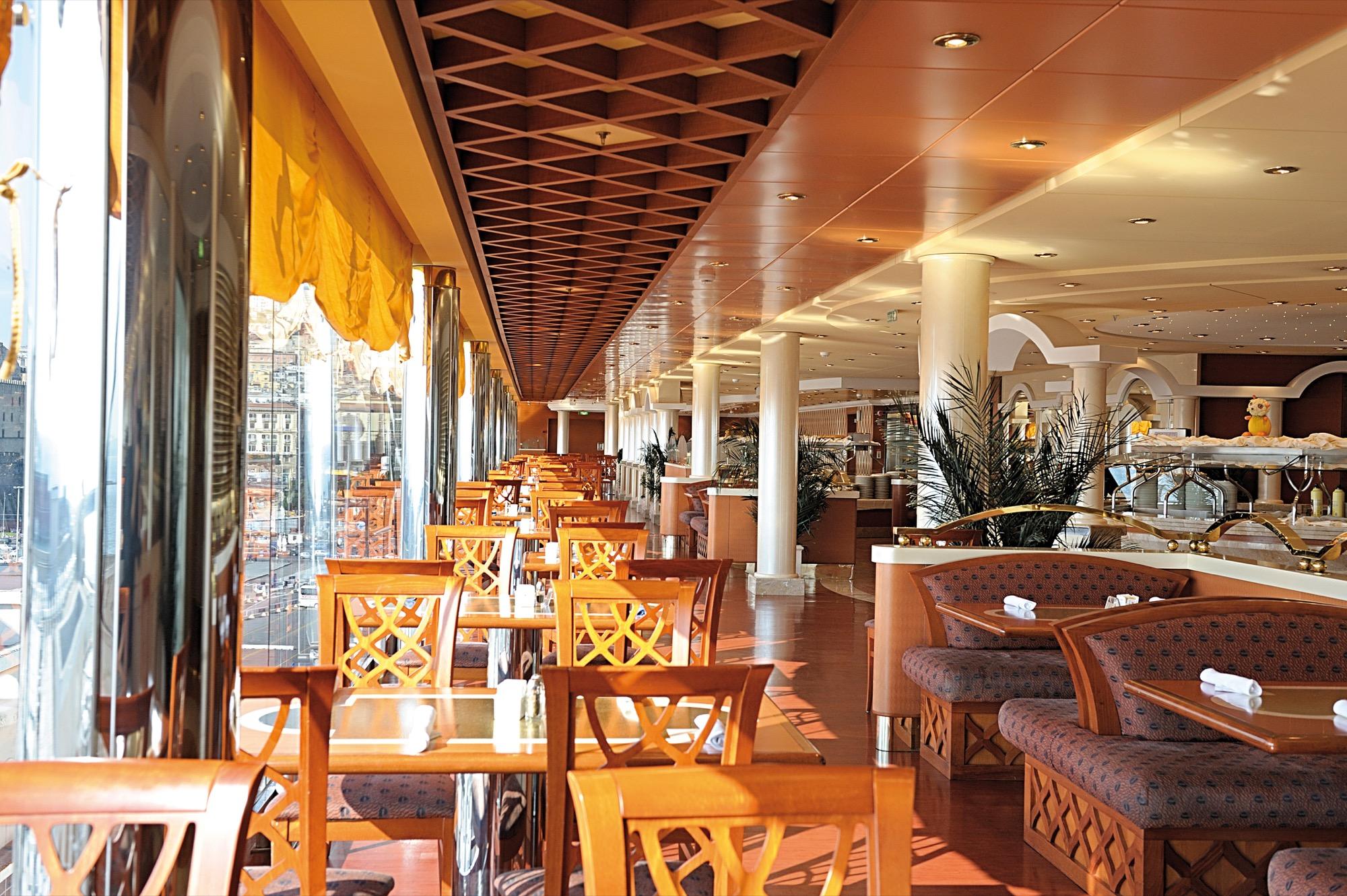 MSC Musica Class cafe 2.jpg