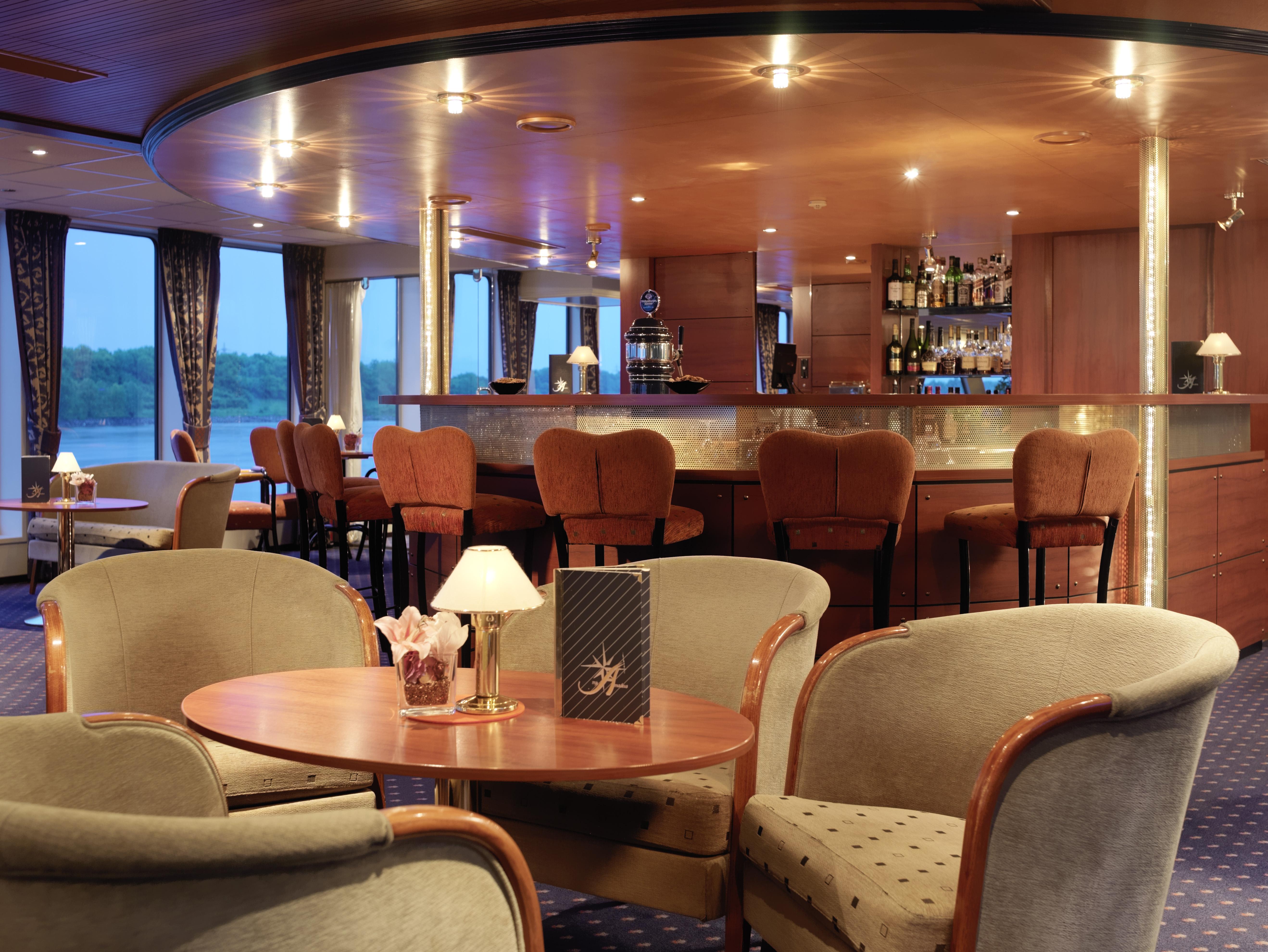 Amadeus River Cruises Amadeus Symphony Interior Bar.jpg