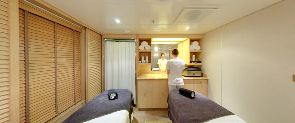 P&O Cruises Ventura Interior Oasis Spa Treatment Room 1.jpg