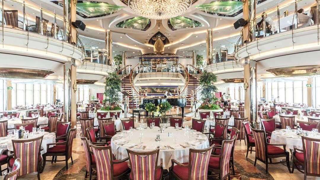 Thomson Cruise Thomson Discovery Interior Main Restaurant 2.jpg