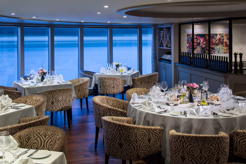 AmaWaterways AmaSerena AmaSonata AmaReina AmaPrima AmaCerto Interior Chefs Table Restaurant 3.jpg
