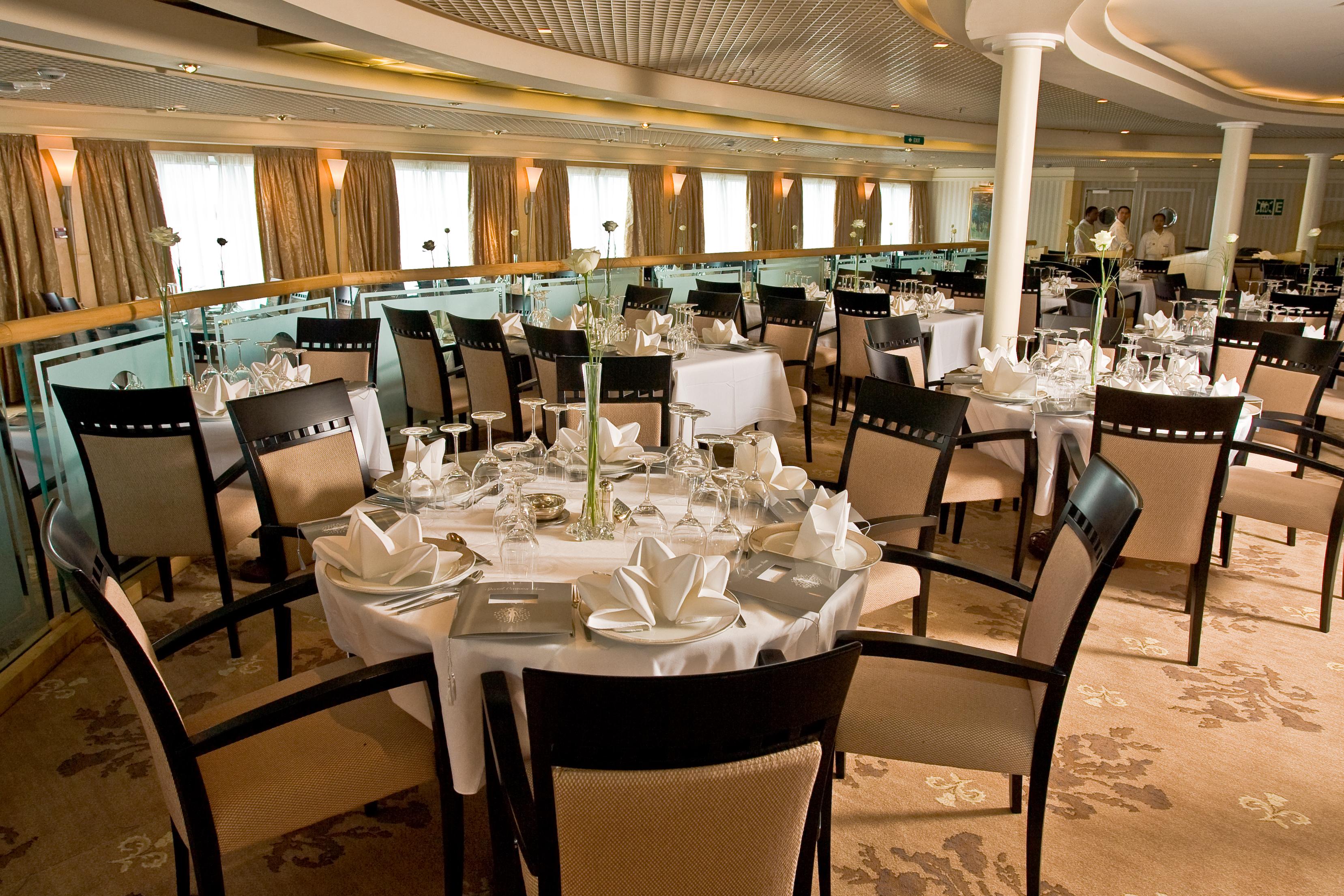 fred olsen cruise lines braemar thistle restaurant 2014.JPG