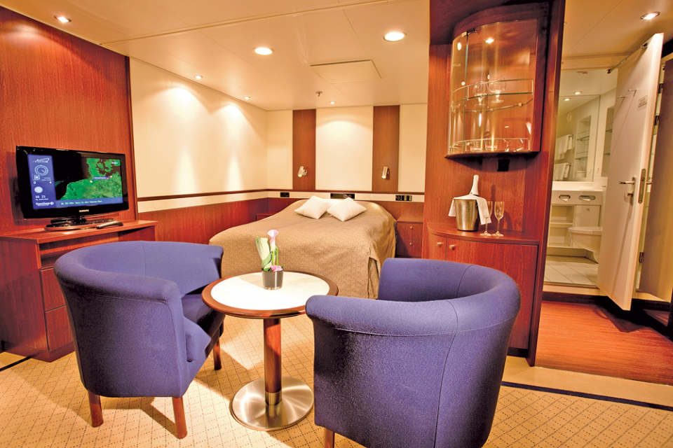 Cruise & Maritime Voyages Astor Accommodation Superior Suite Inner.png
