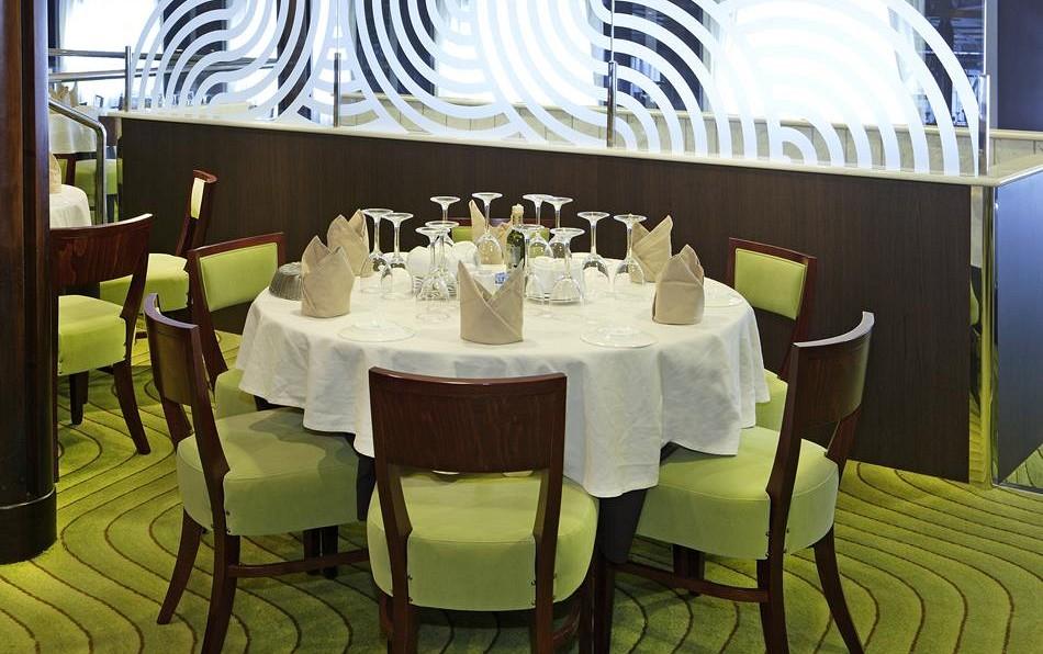 Cruise & Maritime Voyages Magellan Interior Kensington Restaurant.jpg