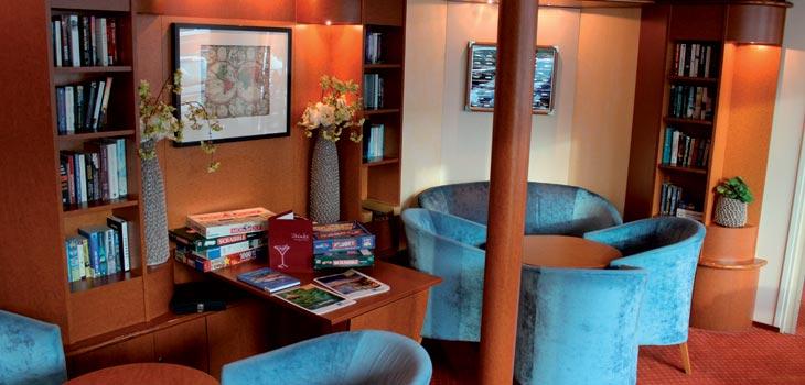 Saga River Cruises Regina Rheni II Interior Bar Lounge 2.jpg