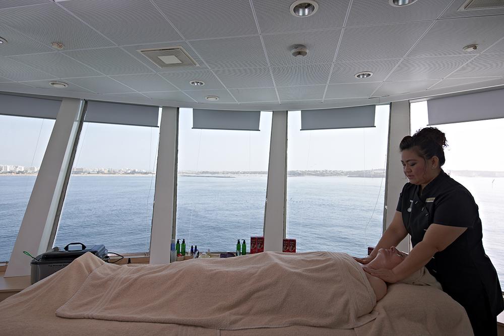 fred olsen cruise lines balmoral relax 2014.jpg