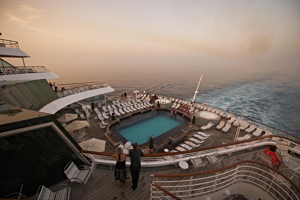 fred olsen cruise lines balmoral pool 2 2014.jpg
