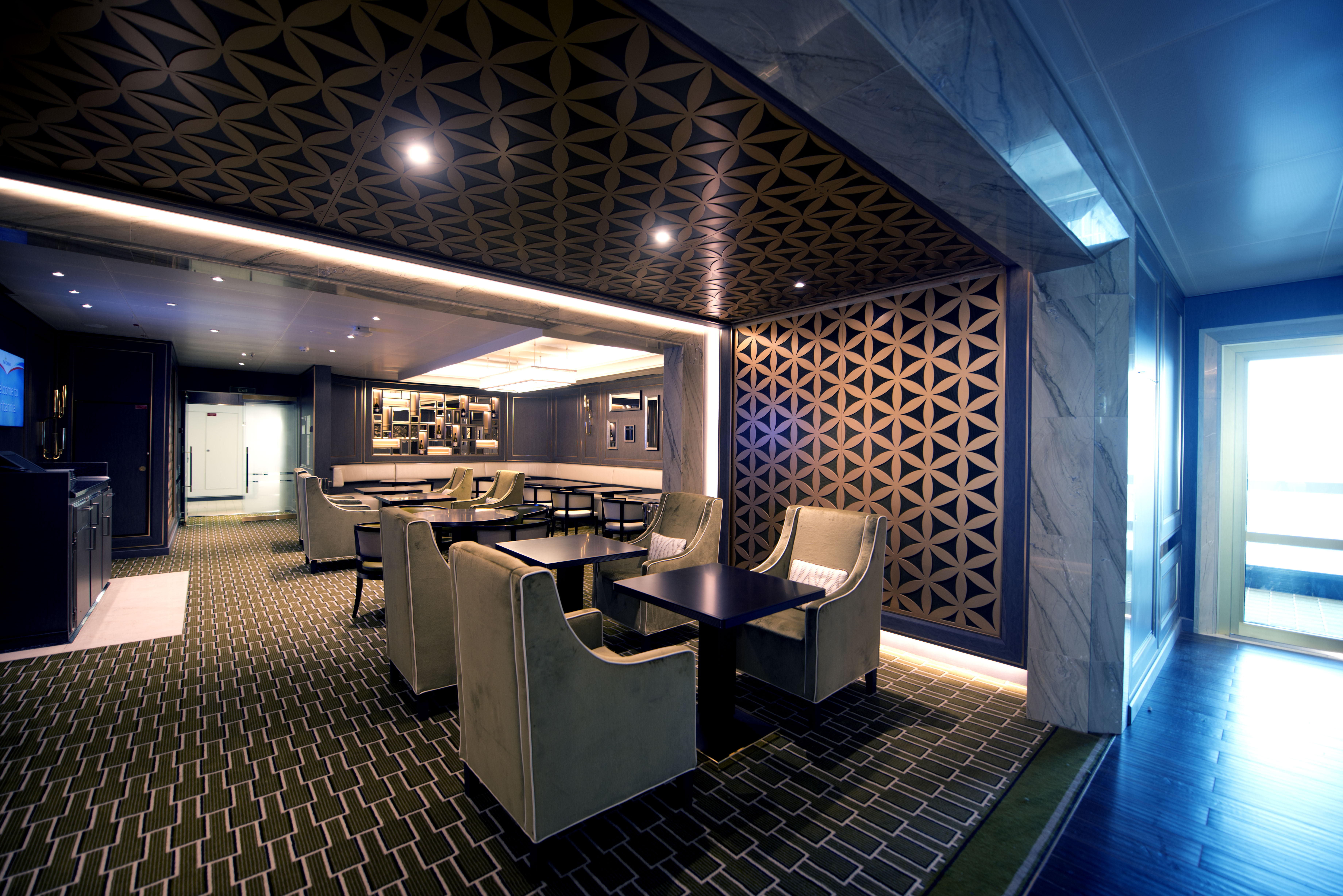 P&O Cruises Britannia Interior Glass House D806667 [Tif 14714599202].jpg
