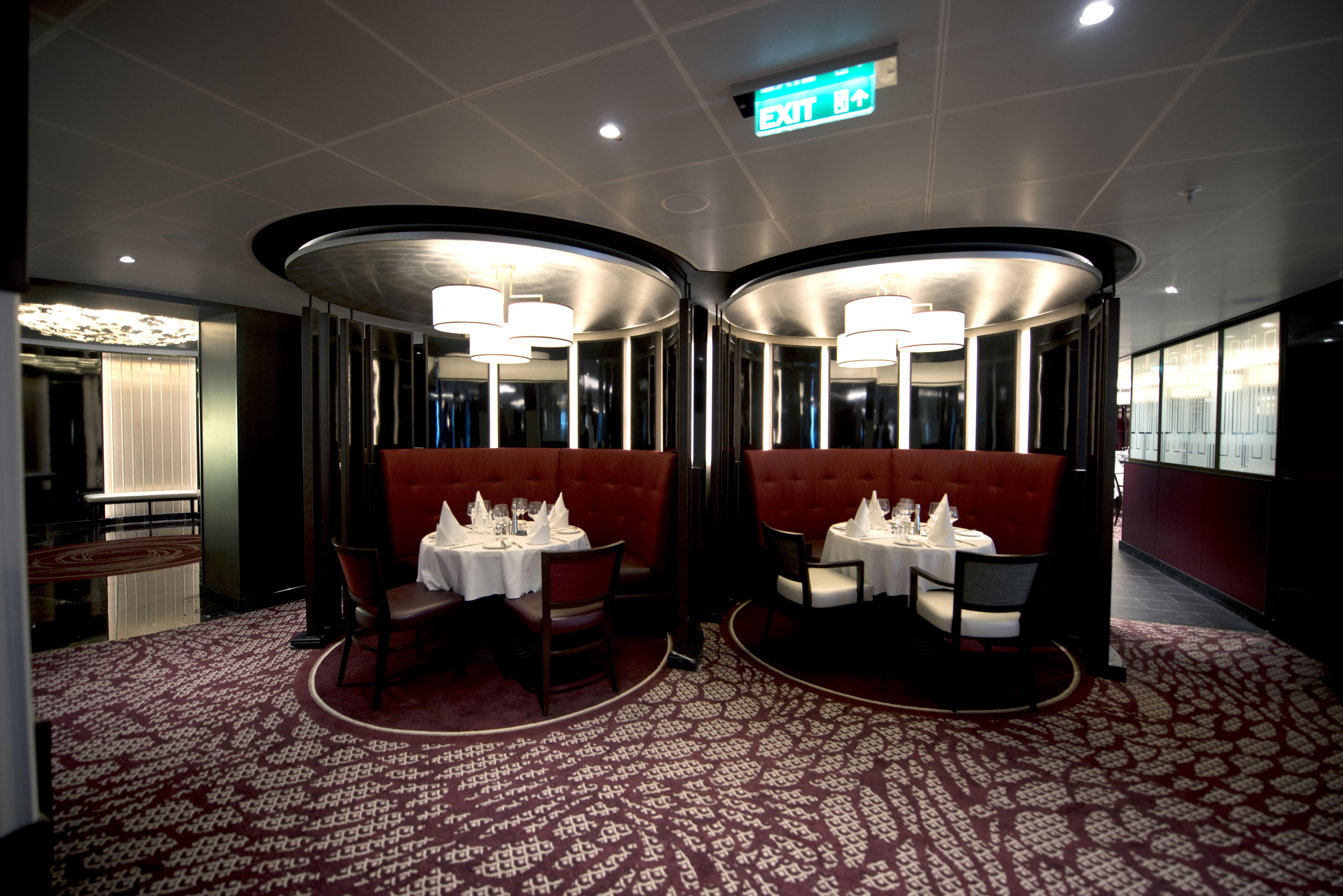 P&O Cruises Britannia Interior Oriental D806894 [Tif 14714752402].jpg