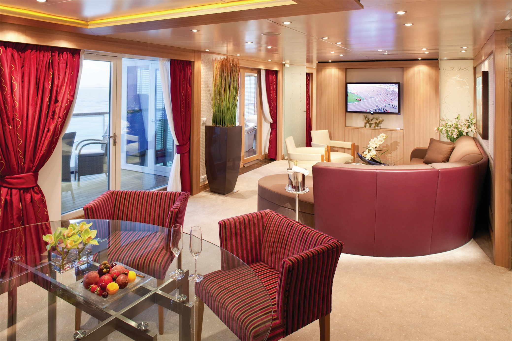 Seabourn Odyssey Class Accommodation Wintergarden Suite.jpg