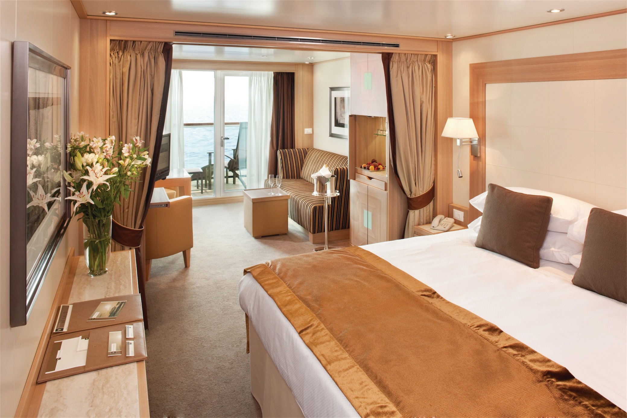Seabourn Odyssey Class Accommodation Veranda Suite.jpg