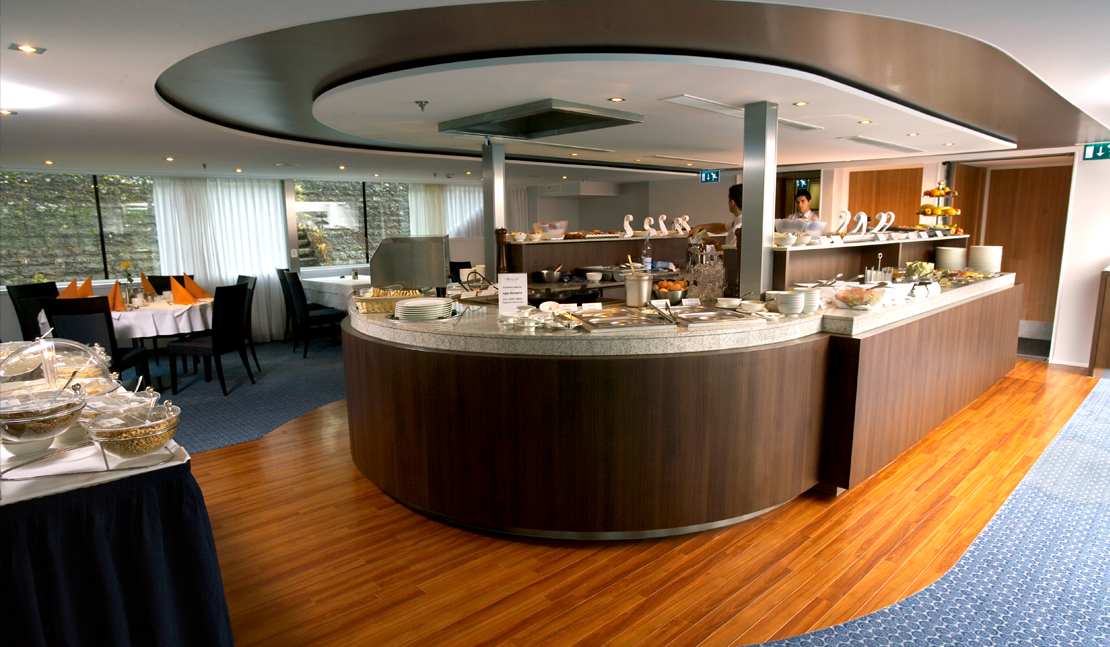 Avalon Waterways Avalon Vista Interior buffet dinner.jpg
