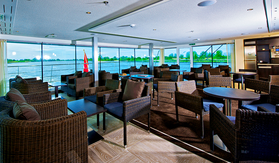 Avalon Waterways Avalon Vista Interior Club Lounge.jpg
