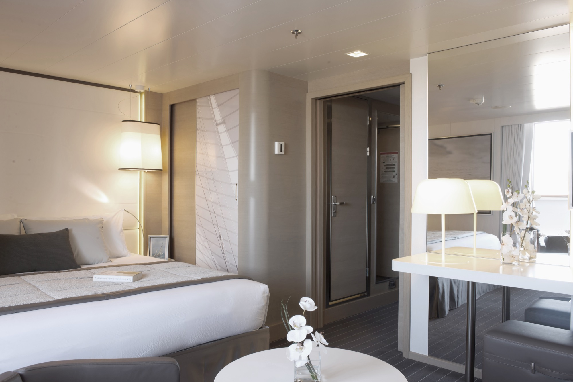Ponant Le Soleal Accommodation Deluxe Suite.JPEG