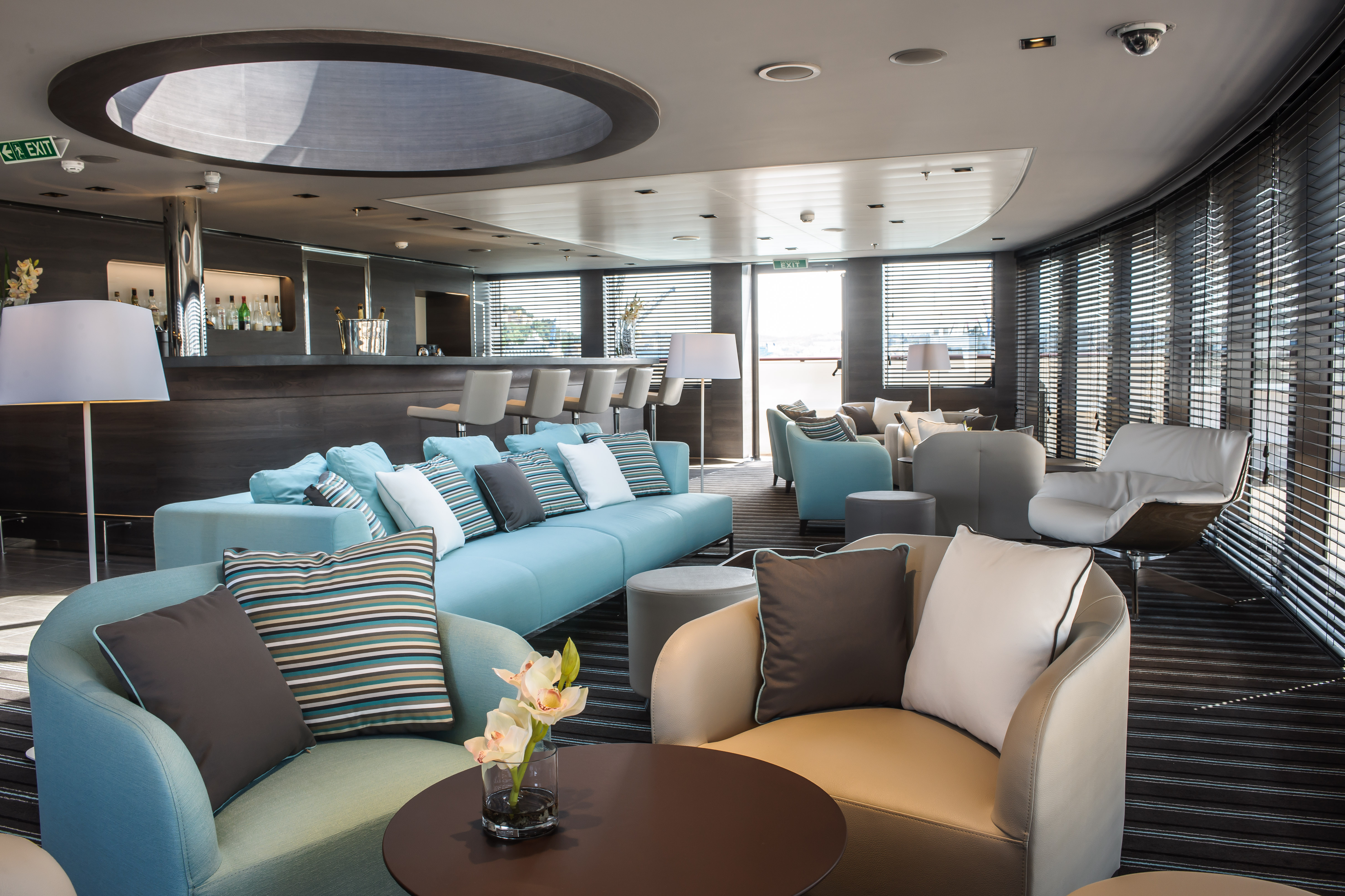 Ponant Le Soleal Interior Panoramic Lounge 5.JPEG